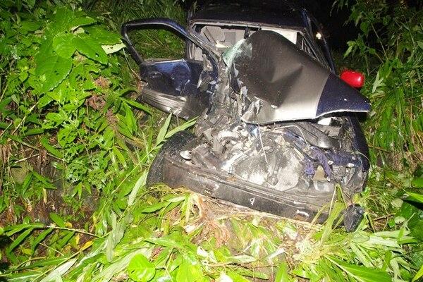 El acompañante del fallecido resultó grave tras el choque.   REINERO MONTERO