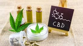 ¿Con receta o de venta libre? Salud espera ley de cannabis medicinal para resolver