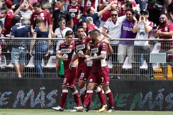 Así celebraron los jugadores del Saprissa el 1 a 0 sobre Alajuelense.