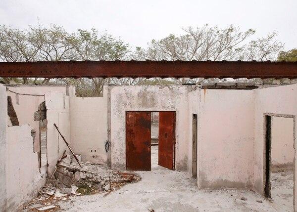 El Centro de Patrimonio quiere reconstruir el antiguo comisariato de la isla San Lucas, para comprender mejor la historia del centro penal que ahí operó durante 117 años. Foto: Albert Marín.