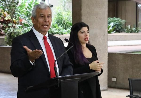 Víctor Morales Mora afirma que el gobierno recibe con satisfacción lo resuelto por la Sala Constitucional sobre el proyecto de huelgas. Foto: Cortesía de la Presidencia.
