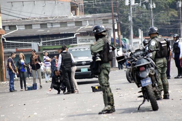 Según el Observatorio Venezolano de Violencia la tasa de homicidios en el país es de 90 muertes por cada 100.000 habitantes.
