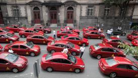CTP obliga a 11.800 taxistas a usar aplicación móvil para fiscalizar servicio y nivelarlos frente a Uber