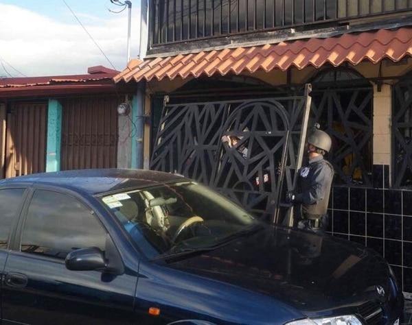 En esta vivienda en La Capri detuvo la PCD a dos individuos que al parecer controlaban un millonario negocio de drogas.