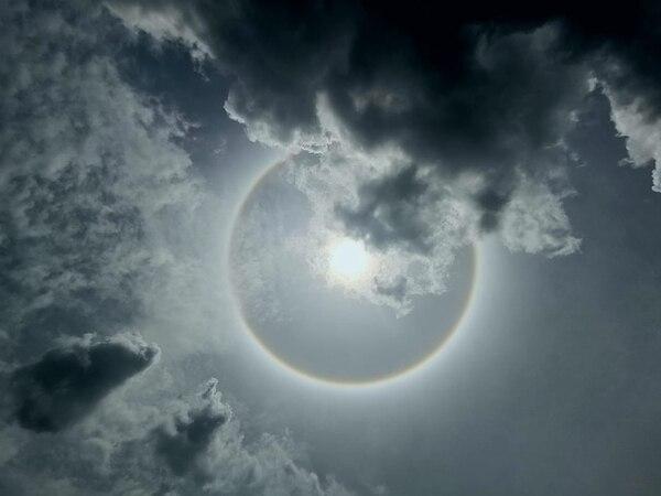 El círculo de luz visto desde San Antonio de Desamparados.