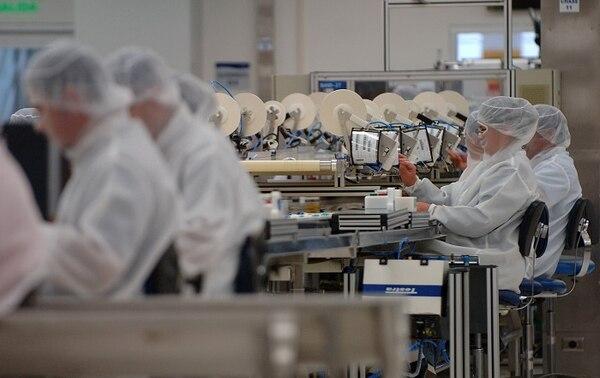 Las exportaciones de los equipos de infusión y trasfusión de sueros fueron de algunos de los bienes de cayeron en los primeros cinco meses del año, según Procomer.