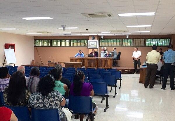 La sentencia la dictó ayer a la 1:30 p. m. el Tribunal de Juicio de Siquirres. Este debate se realizó en Pococí, por seguridad. | REINER MONTERO