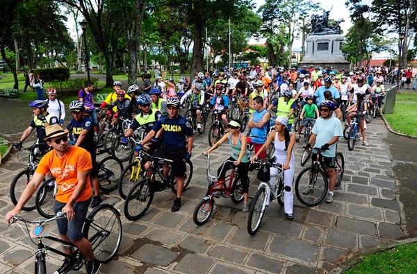 El colectivo Chepecletas organizará una caminata para conocer San José en el marco del Festival Integrarte. John Durán