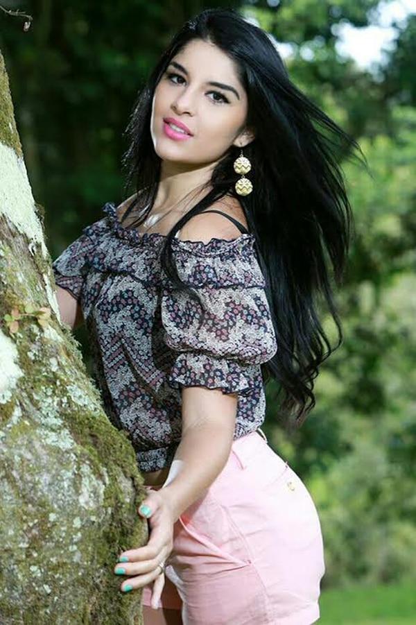 Priscila Badilla es vecina de San Ramón de Alajuela y tiene 22 años.