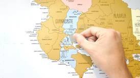 Con mapas raspables, 'La Fiebre de Viajar' quiere motivar a los ticos en la cuarentena