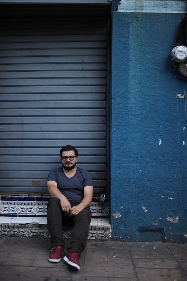Además de literatura, Boza suele instruirse en videoensayos que encuentra en internet. Foto: Jorge Navarro