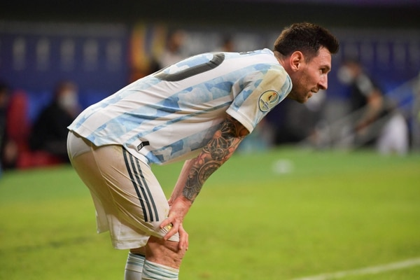 Argentina's Lionel Messi is pictured during the Conmebol Copa America 2021 football tournament group phase match against Uruguay at the Mane Garrincha Stadium in Brasilia, on June 18, 2021. (Photo by NELSON ALMEIDA / AFP)