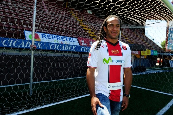 Jonathan McDonald firmó por tres años a inicios del 2014. | A. CARAVACA