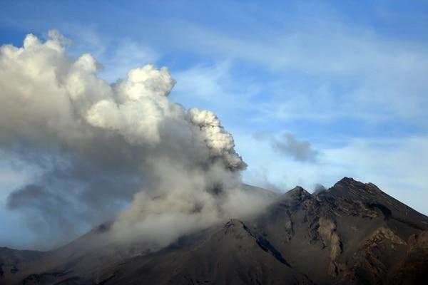 Esta es la vista del volván Calbuco, unicado en Puerto Montt, en la región de Los Lagos, en el sur de Chile.