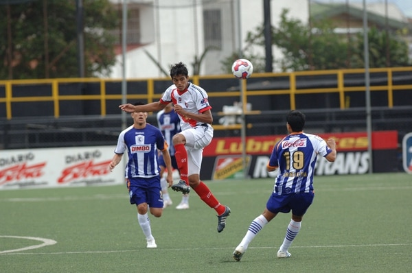 El Barrio estuvo un torneo y medio en Primera. Fue expulsado en pleno Verano 2011 por conflictos legales y financieros. | ALBERT MARÍN.