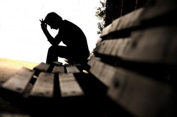 Adoptar riesgos laborales o al volante, tener sexo sin protección, consumir alcohol de manera desmedida o no buscar ayuda ante trastornos emocionales, son acciones ligadas al comportamiento de algunos hombres que los pone en riesgo. Foto Archivo LN.