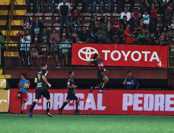 Jonathan McDonald marcó su primer gol del Verano contra Saprissa.