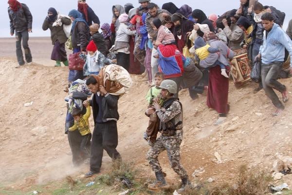 Miles de sirios han sido desplazados por la guerra civil que ha cobrado más de 100.000 muertos en dos años.