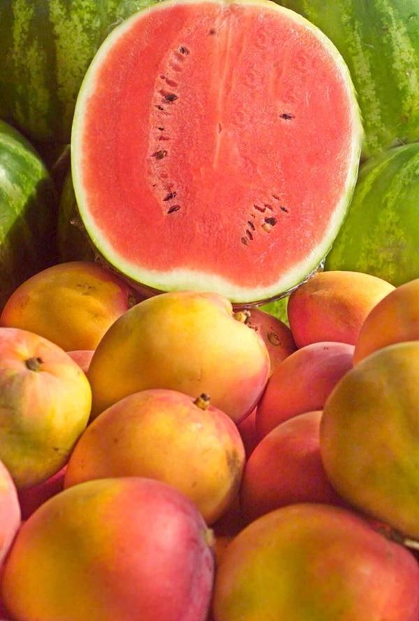Una dieta alta en alimentos integrales y frutas sería la solución. | THINKSTOCK