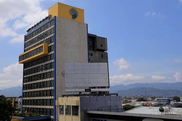 Edificio de la Caja Caja Costarricense de Seguro Social localizado en avenida segunda de San José. Foto: Rafael Pacheco.