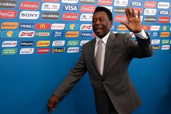 Pelé participará en el sorteo de este viernes.