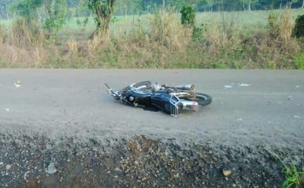 En Río Cuarto el chofer que colisionó la moto se dio a la fuga. La mujer que iba como acompañante en la moto falleció en el sitio. Foto: suministrada por Edgar Chinchilla.