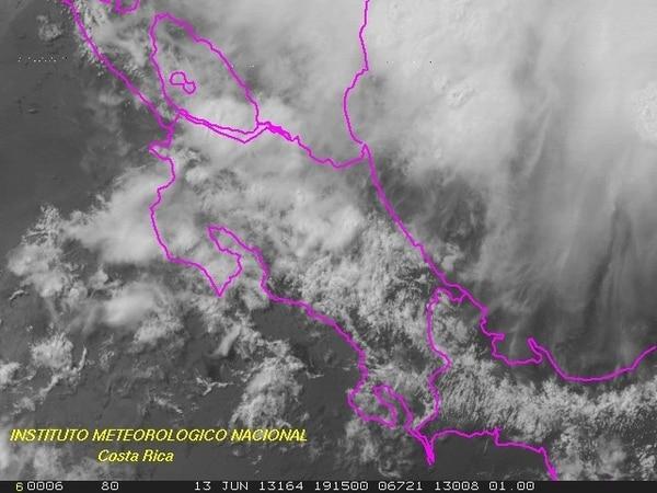 La imagen de satélite del IMN muestra la amplia nubosidad sobre el país. | IMN PARA LN