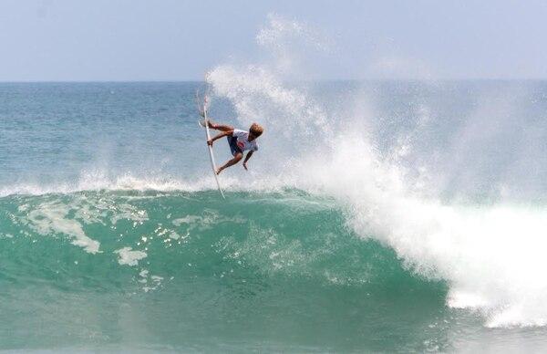 Carlos 'Cali' Muñoz es una de las cartas costarricenses en el Mundial de Surf que arranca el próximo sábado 6 de agosto.