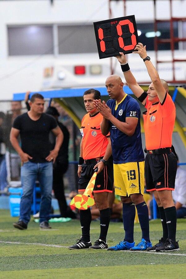 El momento en el que se hizo realidad el sueño de Erick Marín. Foto: Rafael Pacheco