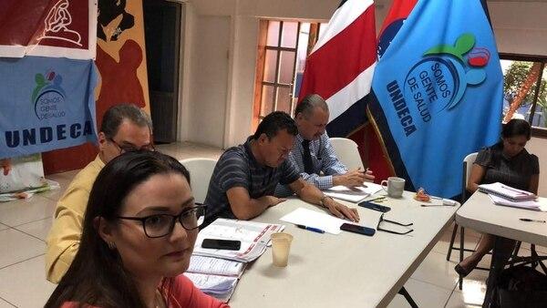 Karolina Chinchilla (izquierda) fue destituida de su cargo como secretaria de Educación de la Junta Directiva del Sindicato Nacional de Enfermería (Sinae). Foto: Cortesía.
