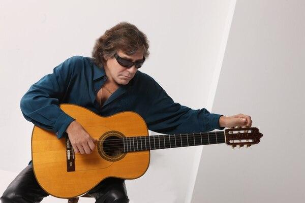 Virtuoso. José Feliciano es un autodidacta de la guitarra. De joven pasaba hasta 14 horas practicando solo, para convertirse en el virtuoso que es hoy. Cortesía AEA Producciones Artísticas