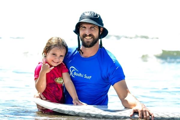 Travis Bays llegó en el 2005. Su contrato laboral era por tres años, pero aquí formó su familia. Su hija Maya Paz Bays Salazar, tiene cinco años.