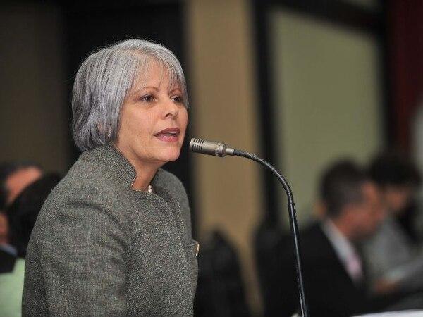 Granados presentará una moción para cambiar el término de dedicación exclusiva al proyecto que ella misma presentó.   ARCHIVO