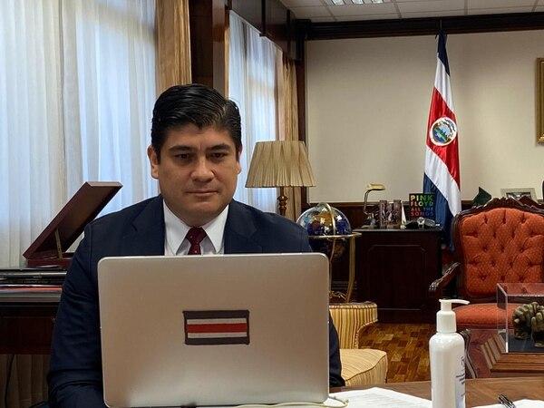 El presidente Carlos Alvarado Quesada participó este viernes en una reunión virtual con autoridades de la OMS y otros jefes de Estado. Fotografía: Cortesía de Casa Presidencial