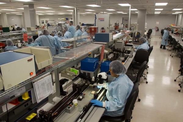 Para los trabajadores del sector privado rige desde hoy el aumento salarial de ¢2.400 por cada ¢100.000 de salario.