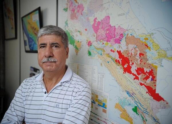 El geólogo Guillermo Alvarado Induni es parte del equipo de la Red Sismológica Nacional.   JEFFREY ZAMORA.