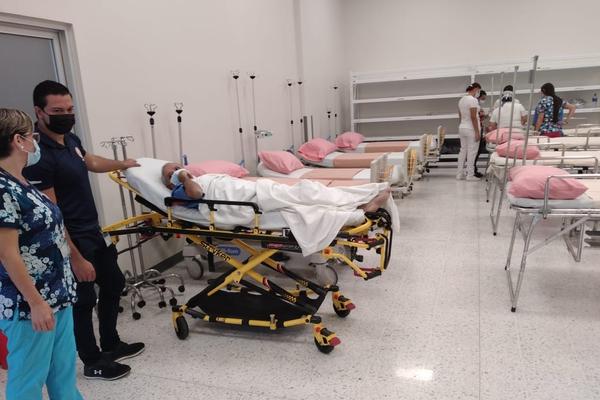 Desde este viernes 7 de mayo 2021 en la tarde en el área de salud de San Isidro de Heredia se instaló una Unidad de Extensión Hospitalaria en apoyo del hospital San Vicente de Paul, en la cual se atenderán pacientes no covid en condición estable. Foto: CCSS