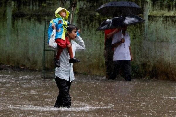 6.000 personas desaparecidas en la India por inundaciones.