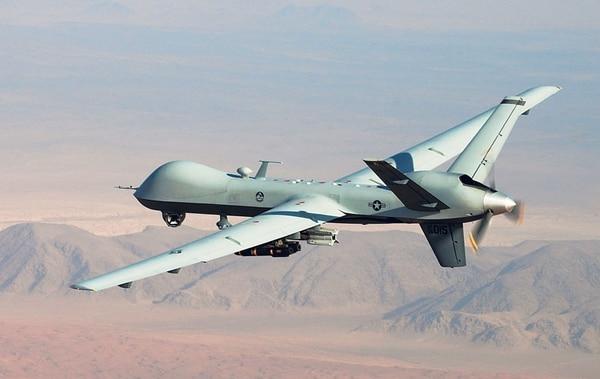 Este 'dron' es el MQ-9 Reaper ('segador', en inglés). Es un vehículo aéreo no tripulado (UAV) diseñado para la Fuerza Aérea y la Armada de Estados Unidos. AP para La Nación