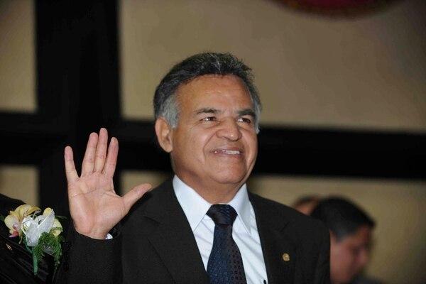 Justo Orozco, diputado de Renovación Costarricense, cree que Dios lo salvó de aprobar una ley que podría permitir las uniones gais.