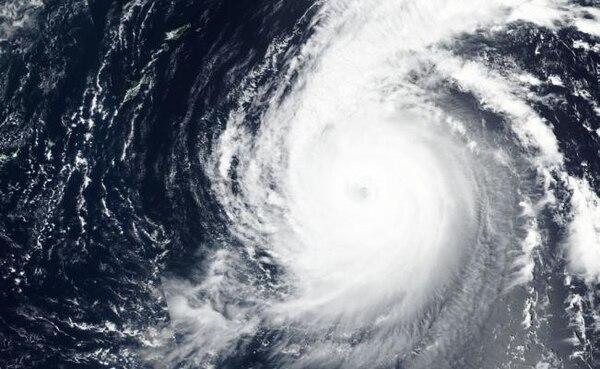 Imagen de satélite facilitada por la Nasa donde se observa el paso del tifón Jebi. Foto: AP
