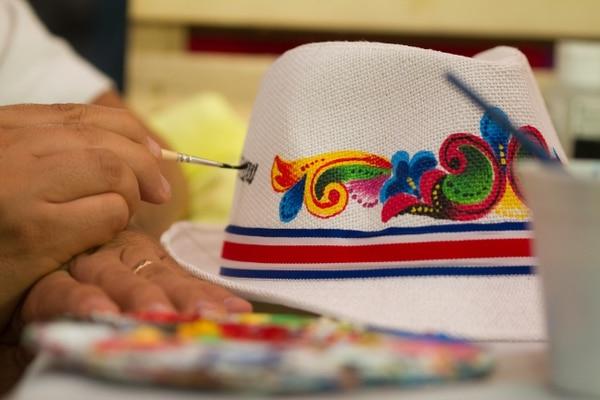 Los productos son elaborados por artesanos costarricenses. Foto: Cortesía Ministerio de Cultura.