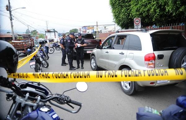 El caso que generó la consulta constitucional se dio el 28 de setiembre del 2011, en Paso Ancho, San José, cuando la policía detuvo a un joven con ¢4 millones en efectivo.   GRACIELA SOLÍS