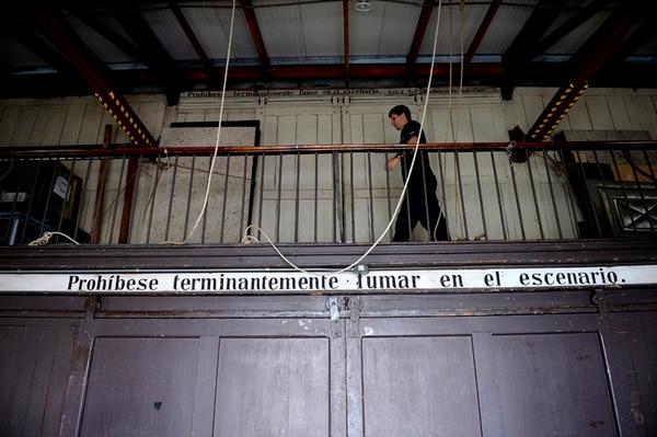 El Teatro Nacional corre para protegerse contra incendios