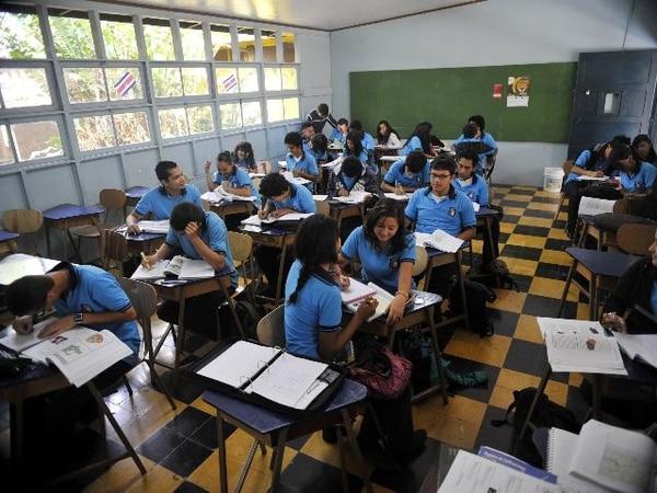 Especialistas coinciden en que los profesores bien preparados forman mejores estudiantes. Esta es una clase en el Liceo José Joaquín Vargas, en San Pedro, Montes de Oca (Foto con fines ilustrativos). | ARCHIVO