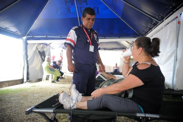 La Cruz Roja asiste a los romeros que presentan inconvenientes de salud.