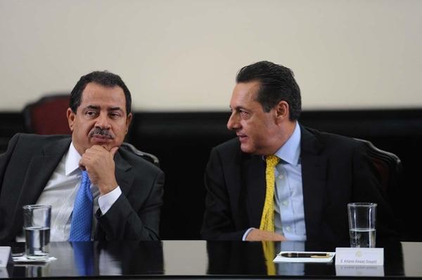 Antonio Álvarez Desanti participó, junto al diputado Mario Redondo, de una charla con un senador chileno la tarde de este miércoles.