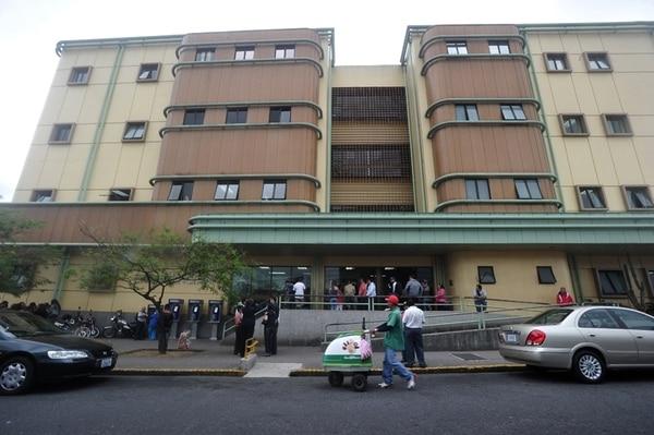 El Hospital Calderón Guardia, donde labora el nefrólogo Francisco Mora Palma, abrió un proceso administrativo en su contra. | RAFAEL PACHECO.