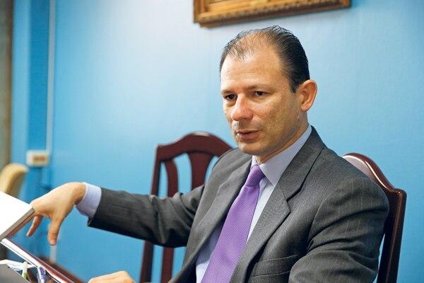 Gustavo Picado, gerente Financiero de la Caja, reconoció que para sostener el SEM el Estado debe asumir buen parte del costo, ya sea por la vía de aportes o la fiscal.