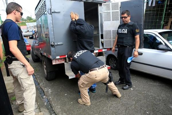 Uno de los detenidos en Los Cuadros de Goicoechea. | RAFAEL PACHECO